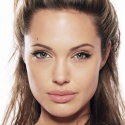 Levgtk Angelina Jolie melleit