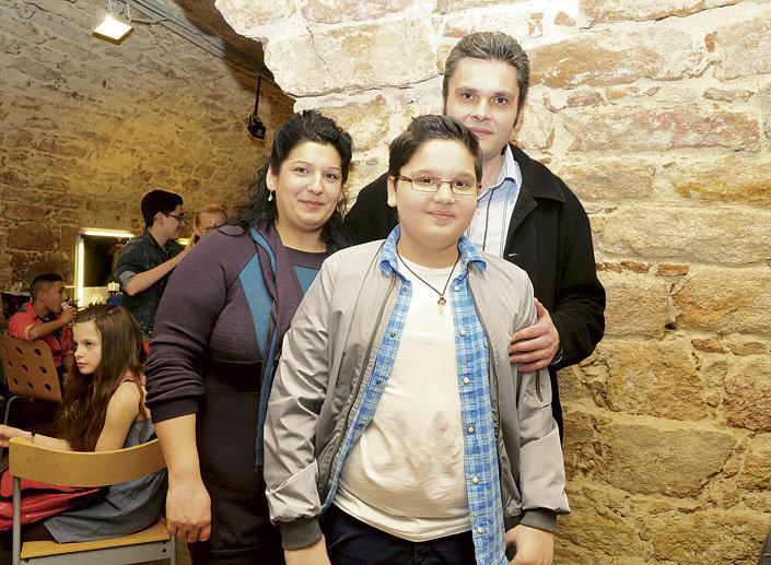 Bari Lacika és családja (forrás: Blikk)