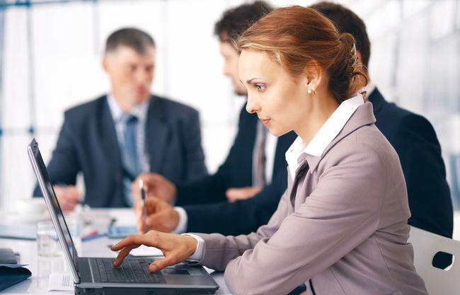 Irodai munka - a munkavállaló nők száma is növekedett