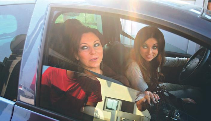 Rúzsa Julianna (balra) és Magdi a The Voice válogatásán