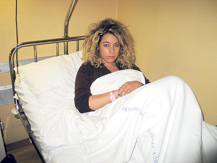 VV Éva a kórházban (forrás: Blikk.hu)